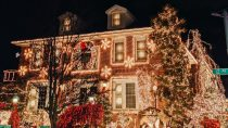 When Should You Put Your Christmas Lights Up?